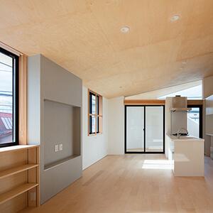 『ミカンの木の育つ二世帯住宅』の竣工写真をWorksのHousesに掲載しました。